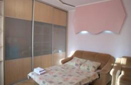 1-room Kiev apartment #002