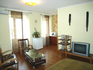 1-room Kiev apartment #052