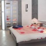 1-room Kiev apartment #053  4